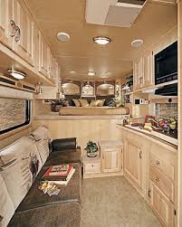 living quarters horse trailers