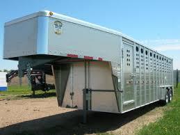 gooseneck livestock trailer