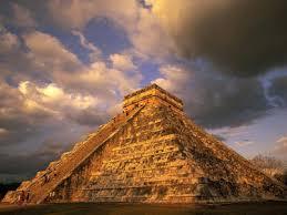 pyramid at chichen itza mexico