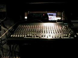 mackie soundboard