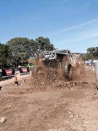 4 wheeler mud bogging