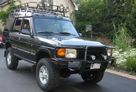 land rover discovery offroad