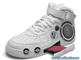 hi tech mp3 shoes