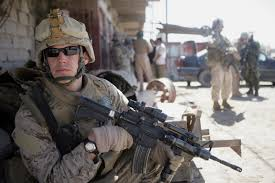 pictures of marines in combat