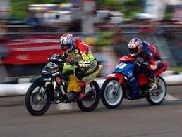 balap motor road race