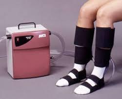 intermittent pneumatic compression device