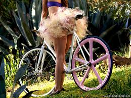 girls on bikes pictures