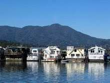 houseboat communities
