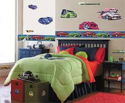 decorating boy bedroom