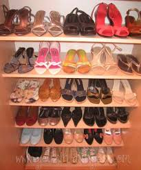 ayakkabi dolabi