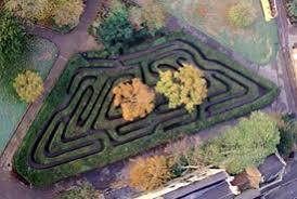 hampton court palace maze