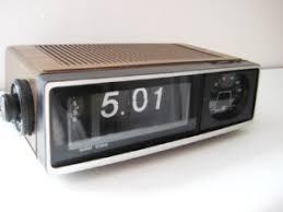 retro radio alarm clocks