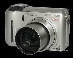 camedia 740
