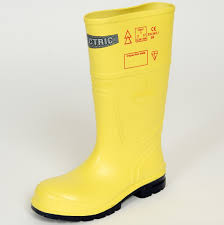 dielectric boot