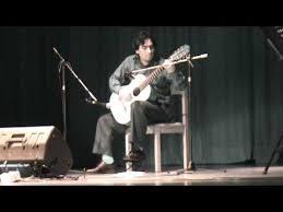 guitarra peruana