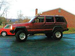 lifted jeep cherokees