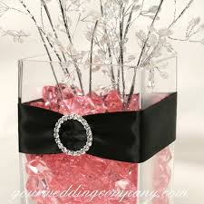 black and pink centerpieces