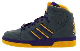la lakers shoes