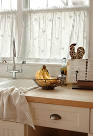 pictures of kitchen curtains