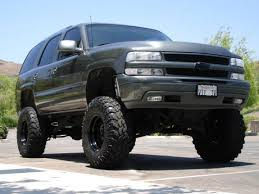 lifted tahoe pictures