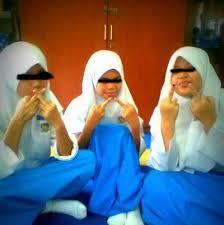 gadis pelajar