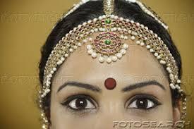 forehead bindis