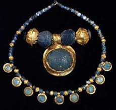 ancient egypt clothing and jewelry