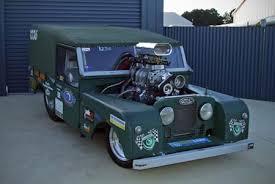 racing land rover