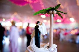 palm tree wedding cake