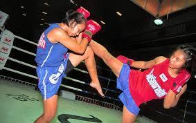girls kick boxing