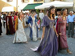 medieval costumes women