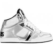 high top skating shoes