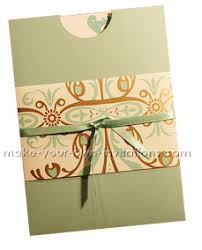 making wedding invitation