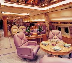 first class airplanes