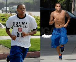 chris brown with his shirt off pics