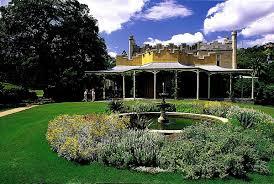 houses gardens