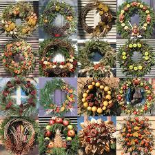 contemporary christmas wreaths