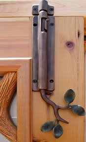 double door latch