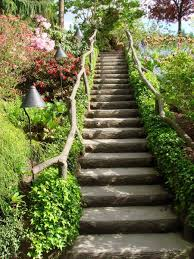 landscaping a sloping yard