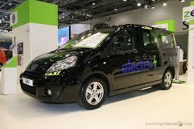 e7 taxis