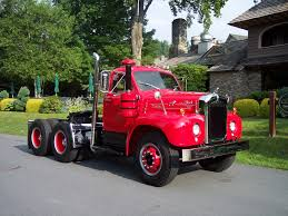 antique trucks pictures