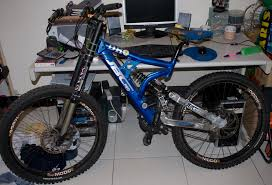 racing mountain bikes