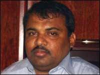 http://t0.gstatic.com/images?q=tbn:eOU8HYSs0g8TWM:http://www.tamilnet.com/img/publish/2008/08/Jaffna_mp_Gajendran2.jpg