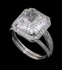 pave set diamond