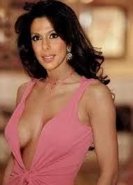 Amethi Hasn't Heard Of Me Or Shahrukh Khan :  Pooja Bedi ,