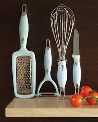 picture of kitchen utensils