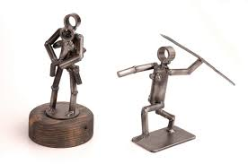 figures sculptures