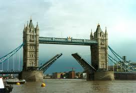 http://t0.gstatic.com/images?q=tbn:g3Wc0tVjhvdNMM:http://www.bookinhotel.com/BookInHotel/Images/RegionPromotionImages/189_Thumb_19970508-140000_london_tower_bridge_open.jpg