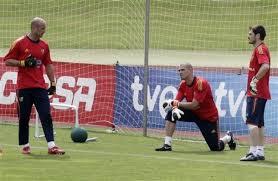 spain goalkeeper top