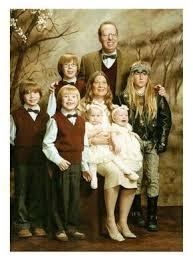 Guidespot: Awkward Family